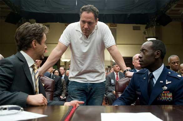 Jon_Favreau_between_Downey_and_Don_Cheadle.jpg