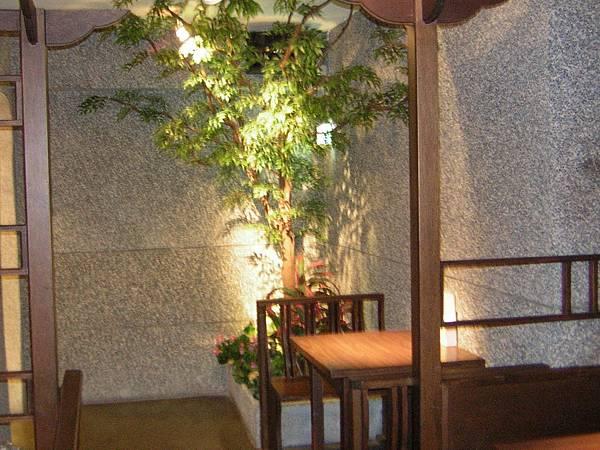 集客人間茶館台大店。預約專線02-2367-1768