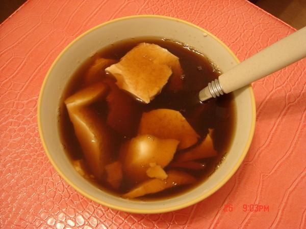 外頭販賣的甜茶+超市的豆腐花