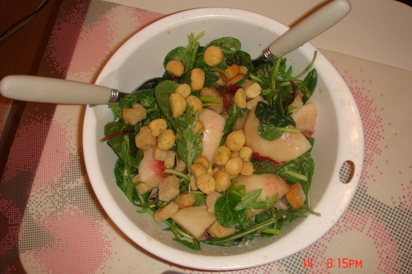 水果蔬菜混搭沙拉,Peach+Macadamia Nut+Honey+Ceasar Dressing etc