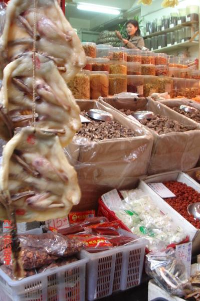 琉璃媽特喜歡的海味店跟鹹鴨