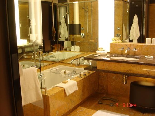 四季專用L'Occitane的沐浴產品,泡澡很舒服,特愛肥皂