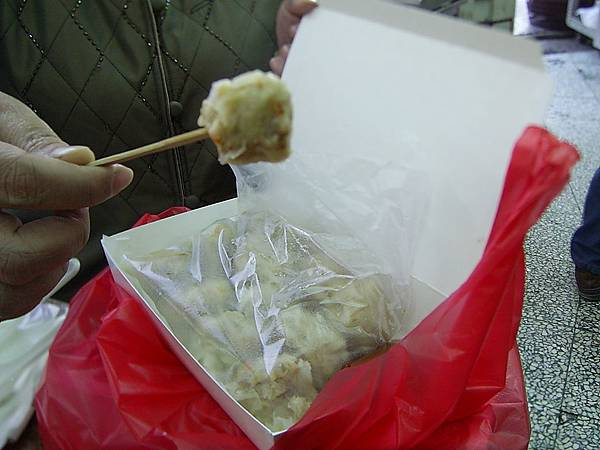 肉包明燒賣一盒12顆100元:)