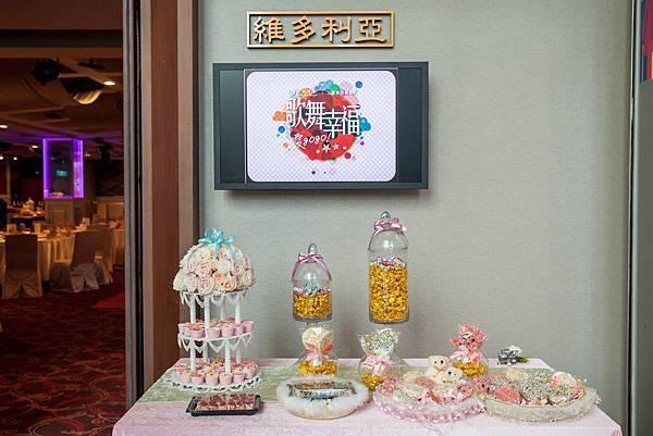 夢幻的粉色系Candy Bar,讓準新人們一踏入會場就感受到甜蜜的氛圍