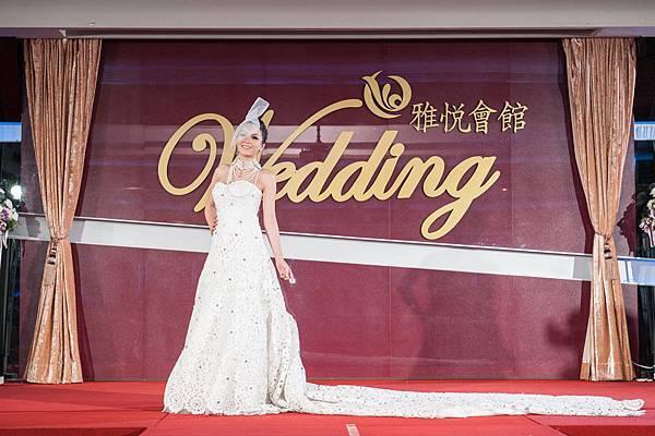 秉樺婚禮的精采婚紗禮服走秀