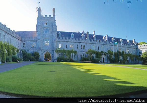 Cork University(UCC).png