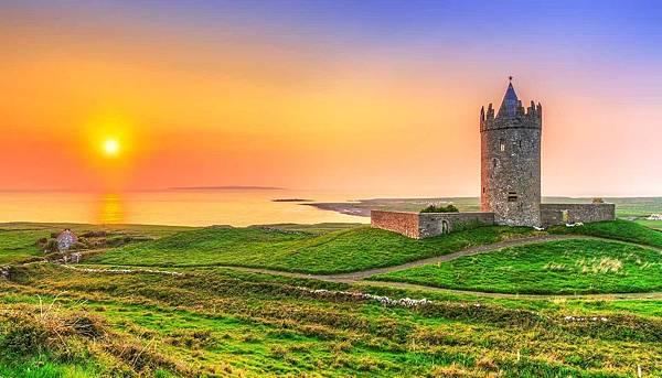 shu-Ireland-Clare-DoonagoreCastle-244049320-Patryk-Kosmider-copy.jpg