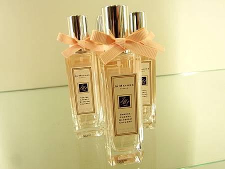 2011櫻花限量香水