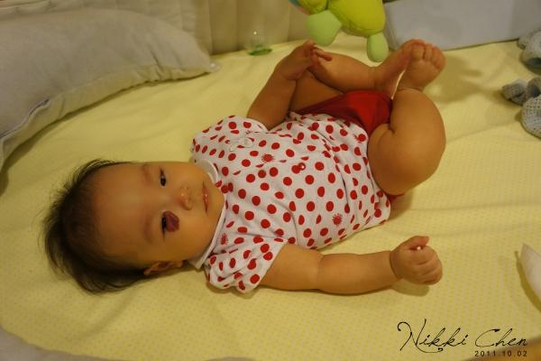 20111002-12-休息了,我還是個寶寶呢.jpg