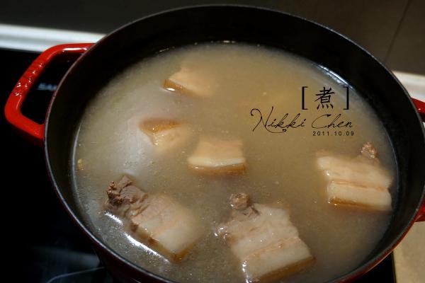 20111010-01煮-花生豬肉.jpg