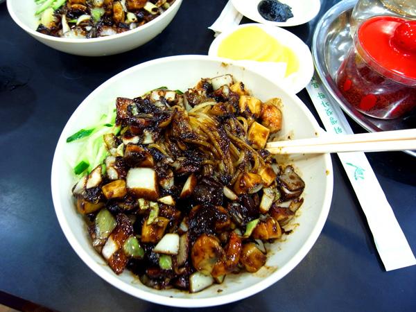 韓國黑色雜醬麵.jpg