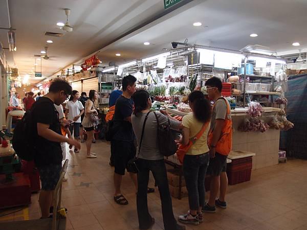 新加坡中峇魯市場採購新鮮蔬果花皆有.JPG