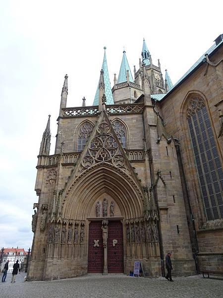 Erfurt教堂-白天.jpg