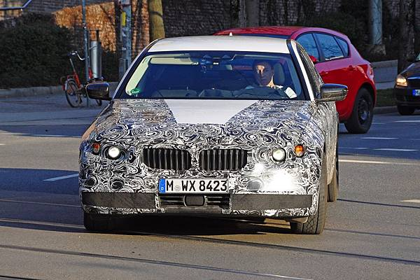 BMW-G2-3-Series-spy-photos-2.jpg