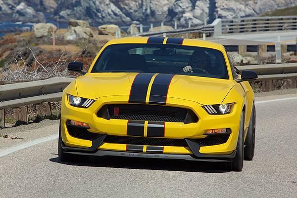 16-Mustang-3.jpg