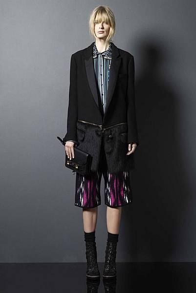 Burberry-Prorsum-zipper-jacket-4
