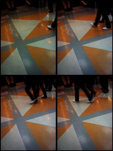 意外發現地板的藝術感