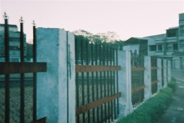 試驗所圍牆