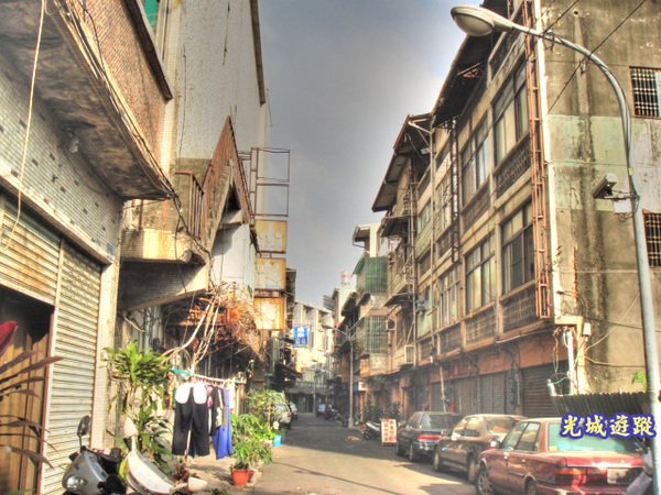 原來的熱鬧街景.jpg