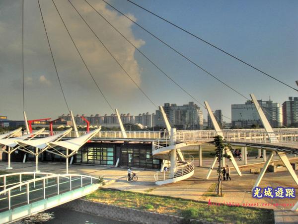 新光碼頭內部一景.jpg