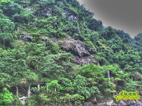 山壁一景.jpg