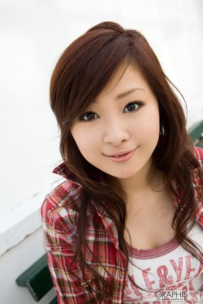 笑容可掬的美少女-石川玲華