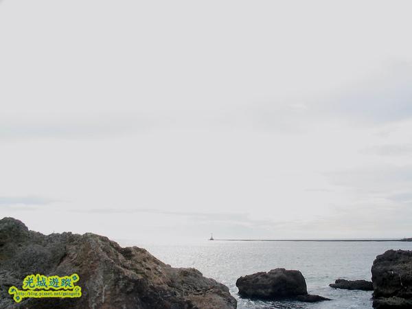 西灣礁岩.jpg