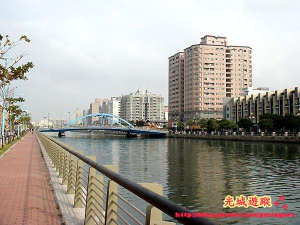 河景與橋.jpg