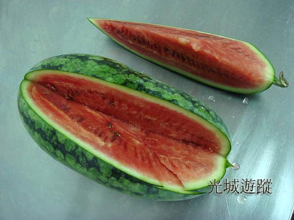切開好吃的西瓜.jpg