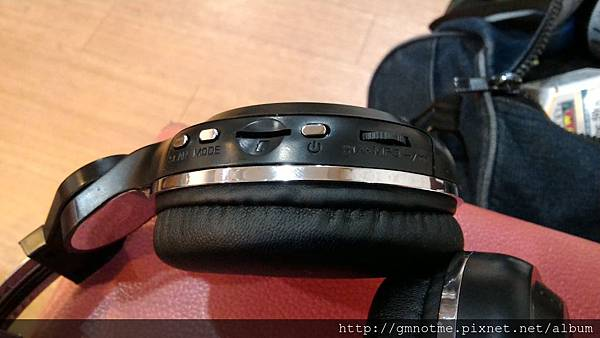 耳機5可以單插音樂記憶卡.jpg