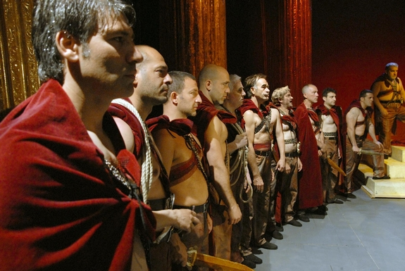 tn_全場起立鼓掌《凱撒必須死:舞台重生》勝利獻給監獄演員們