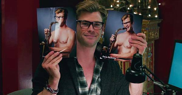 26-chris-hemsworth-ghostbusters.w1200.h630.jpg
