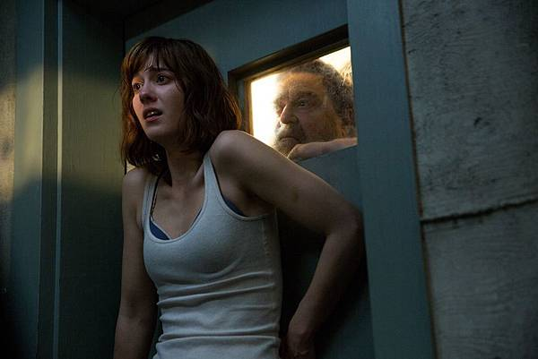 10_cloverfield_lane_paramount_winstead.0.0.jpg