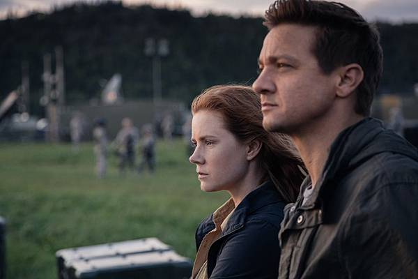 arrival-movie-review-3.jpg