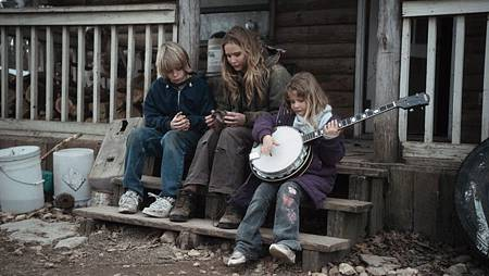 800_winters_bone_blu-ray12.jpg