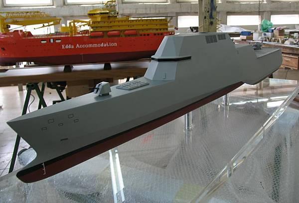 F-110_tri