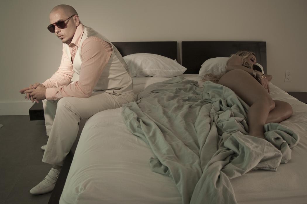 「夜店天王」Pitbull笑傲英國金榜三週冠軍,《舞池星球》17日強勢發行!