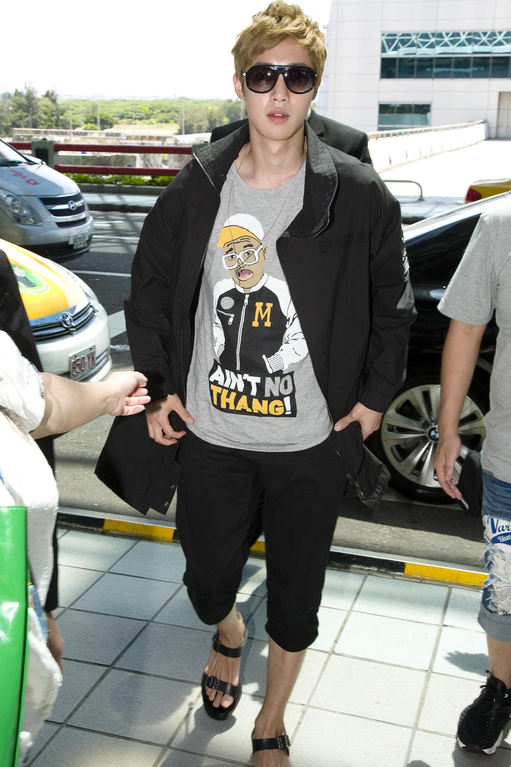 金賢重離台 打包台灣歌迷「愛的禮物」 行禮超重121公斤