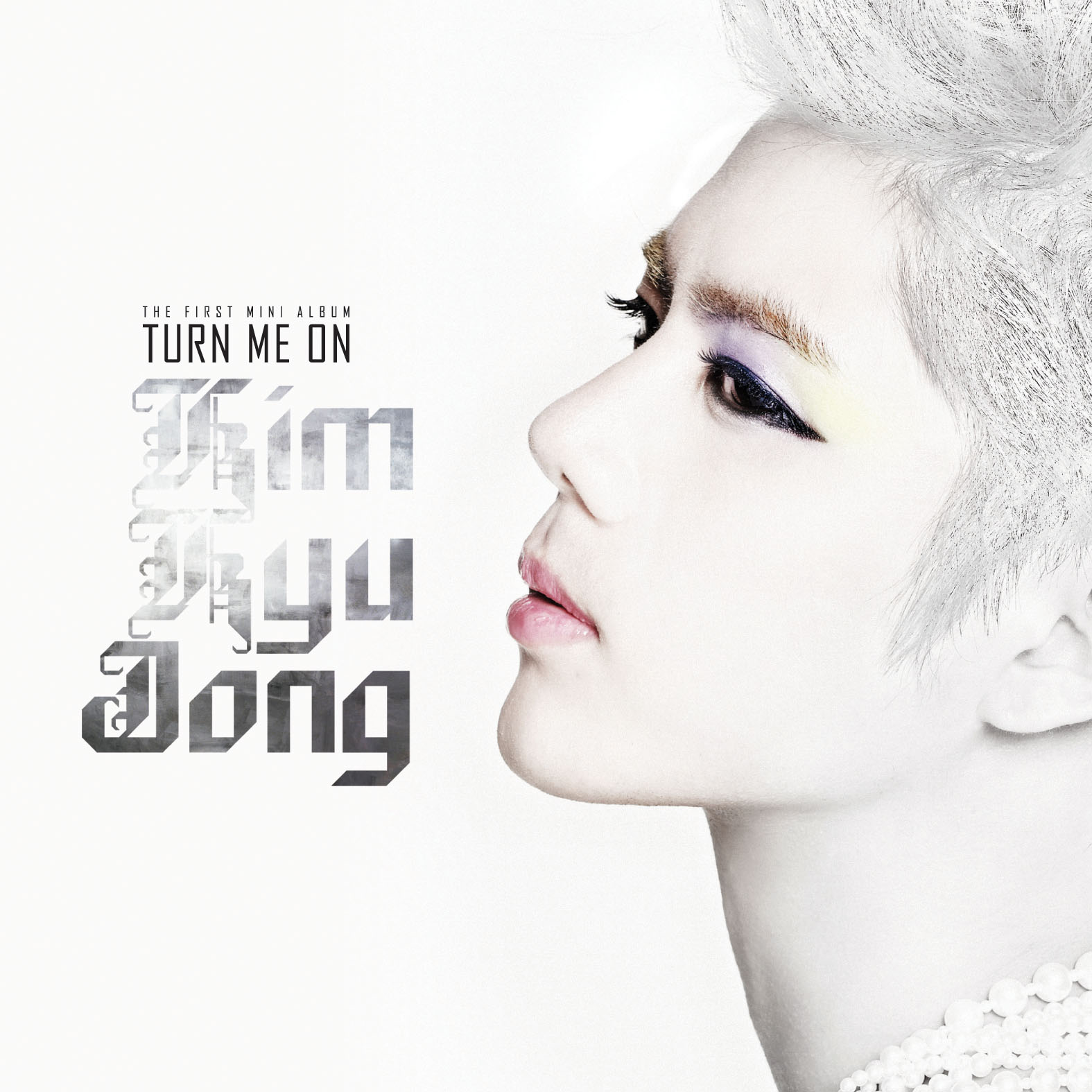 『TURN ME ON』 台灣獨占CD+DVD豪華影音盤