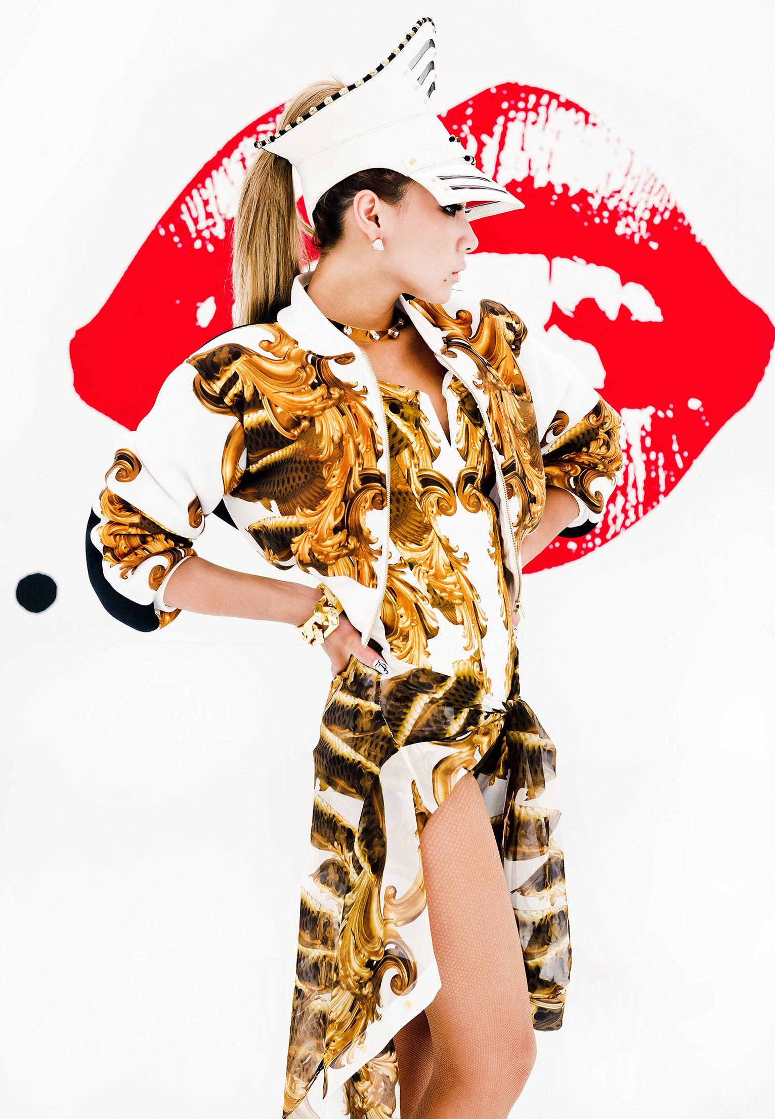 出道四年來第一次!GIRL POWER 天團【2NE1】隊長CL改當<THE BADDEST FEMALE> 【BIGBANG】師兄G-DRAGON、TAEYANG力挺跨刀演出 推出不到24小時刷新新紀錄! 破天荒!YG娛樂首度授權台灣華納5/31(五) 全台數位通路與韓國同步發行 CL最新單曲<THE BADDEST FEMALE> 6/6(四)FOX娛樂台獨家首播