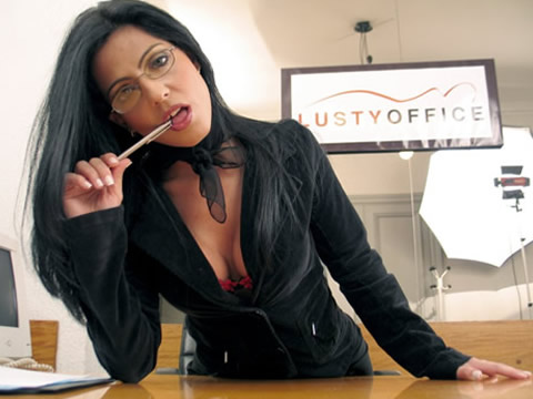 Sexy-secretary-gets-fuckedin-office-by-boss
