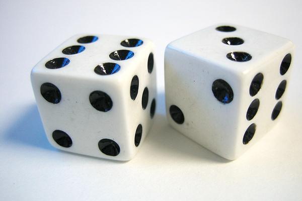 20050911000815_dice.jpg
