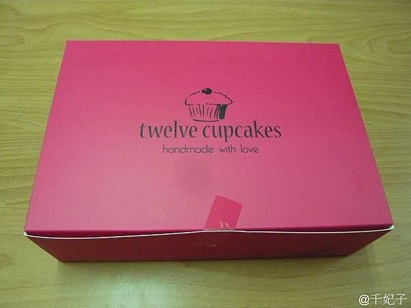 twelve cupcake