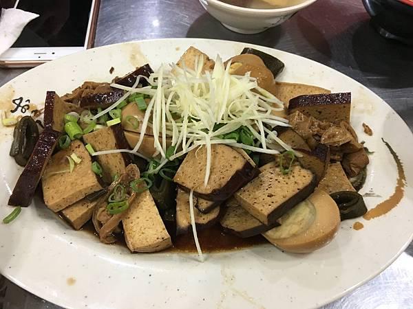 極黑魯肉飯-10.JPG