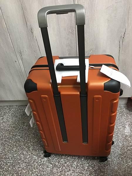 Crown 皇冠悍馬鋁框行李箱27吋-26.JPG