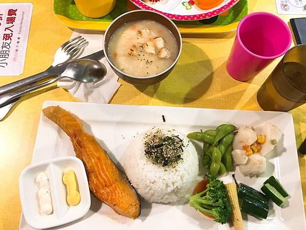 米倪親子餐廳-12.JPG