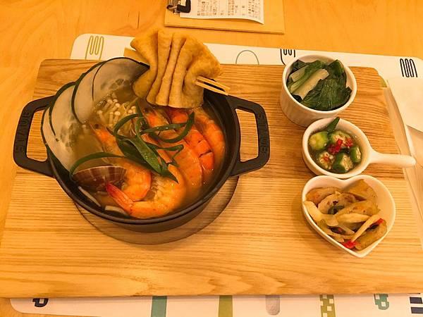 麋鹿鑄鐵鍋料理-1.JPG