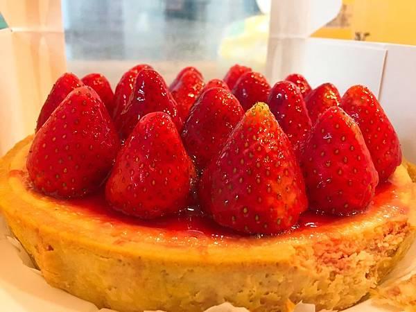 佳樂草莓乳酪派-1.JPG