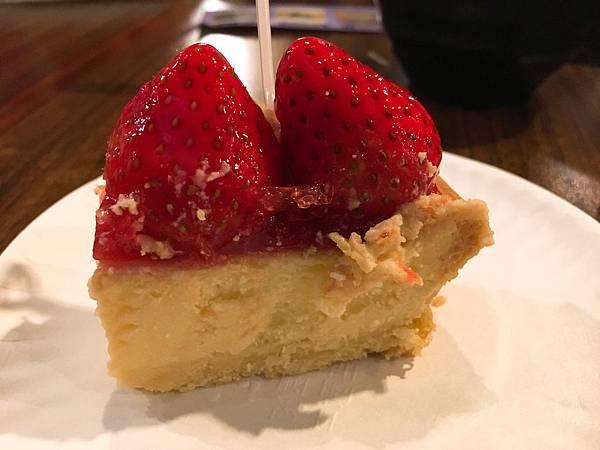 佳樂草莓乳酪派-5.JPG