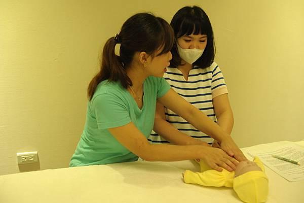 台北DOLLS嬰兒按摩-8.JPG